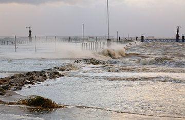 Sturmflut an der Nordsee von Rolf Pötsch