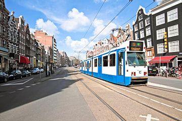 Mit der Straßenbahn durch das Zentrum von Amsterdam fahren von Nisangha Masselink