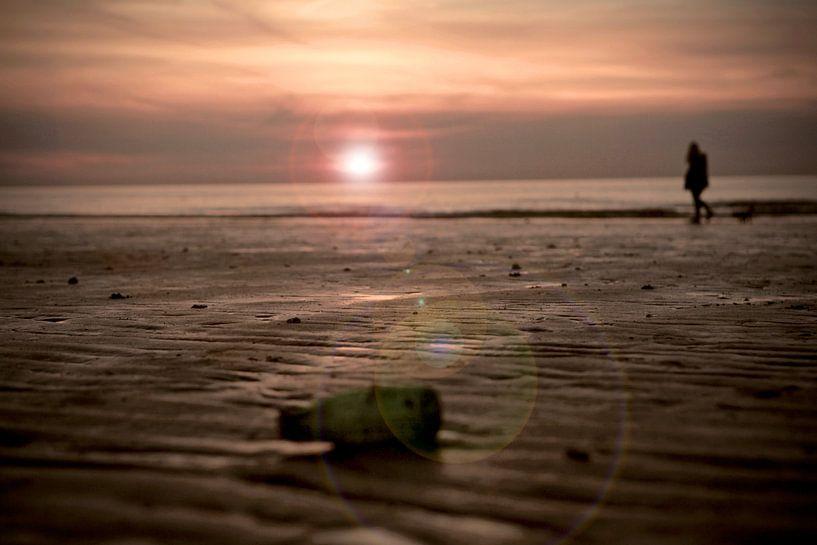 Zonsondergang strand Westende Belgie van Jasper van de Gein Photography