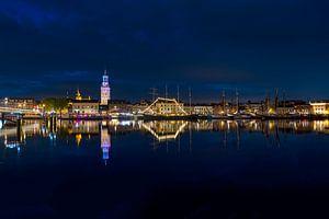 La façade de la ville de Kampen en soirée sur Fotografie Ronald