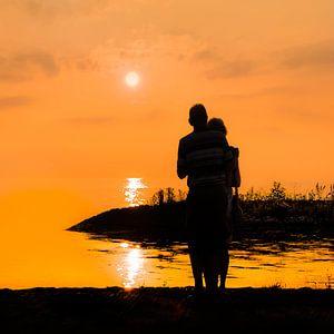 Zonsondergang bij de haven van Laaxum in Friesland