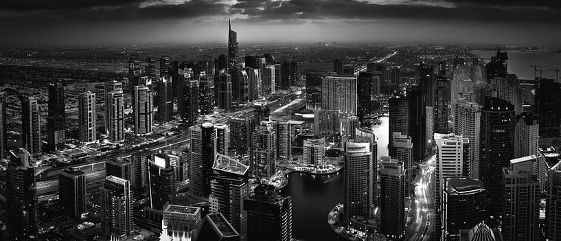 City shadows van Martijn Kort