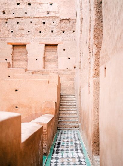 El badi Paleis in Marrakech, Marokko - analoge reisfotografie print van Raisa Zwart