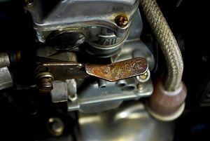 een oude carburateur
