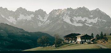 Zomerse Bergtoppen - Panorama van Sophia Eerden
