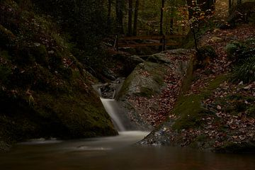 Kleiner Bergfluss Ninglinspo von Angélique Vanhauwaert
