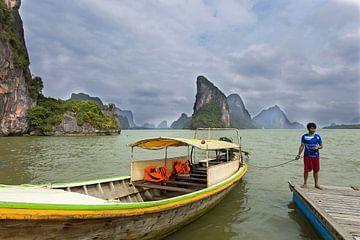 varen door Phang Nga Baai van Antwan Janssen