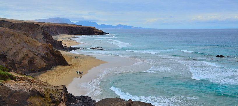 Surfstrand in Spanje, Fuerteventura van Marian Sintemaartensdijk