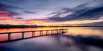 LP 71337563 Steiger bij zonsondergang op het meer van Starnberg van BeeldigBeeld Food & Lifestyle