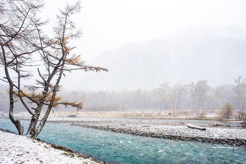 Turqoise water: winter in Kamikōchi Japan fotoprint van Manja Herrebrugh - Outdoor by Manja