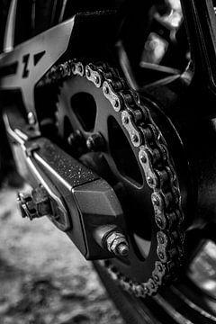 Motor ketting, detailfoto van Nynke Altenburg