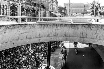 Station Groningen, Onderste-Boven (zwart-wit) van Klaske Kuperus