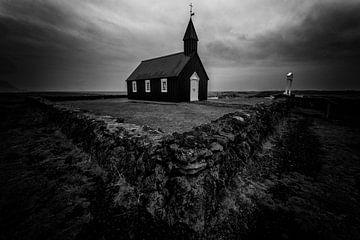 Schwarze Kirche (Búðir) in Island von Michael Bollen