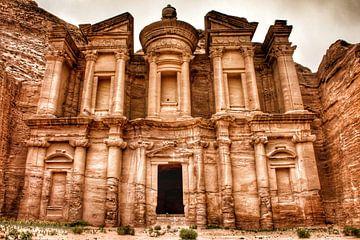 The Monestary in Petra Jordanie van Bart Schmitz