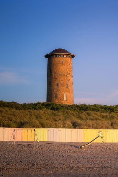 Watertoren Domburg in zomers licht van Thom Brouwer