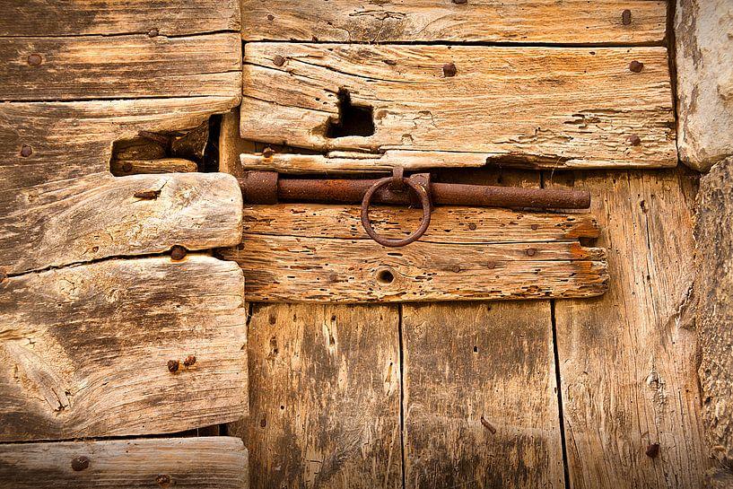 Alte verschlossene Tür von Halma Fotografie