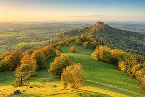 Le château de Hohenzollern en automne sur Michael Valjak