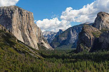 Tunnel View,  Yosemite Valley met El Capitan, Yosemite National Park, Californië, VS van Markus Lange