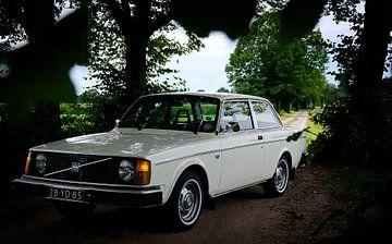 Klassieke Volvo 242 van