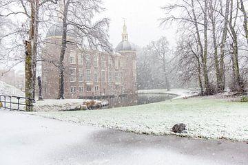 Kleines Schloss im Schnee von Jeannette Kliebisch