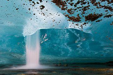 Waterval aan het eind van de Aletsch Gletsjer, Valais, Berner Alpen, Zwitserland van Nature in Stock