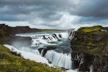 Gullfoss waterval IJsland van Leon Brouwer