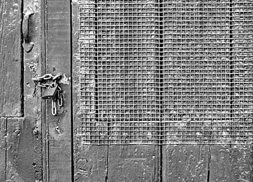Gesloten deur met raster von Artstudio1622