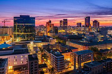 Blick über Rotterdam bei Sonnenuntergang von Ellen van den Doel