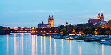 Magdeburg in de avond van Werner Dieterich