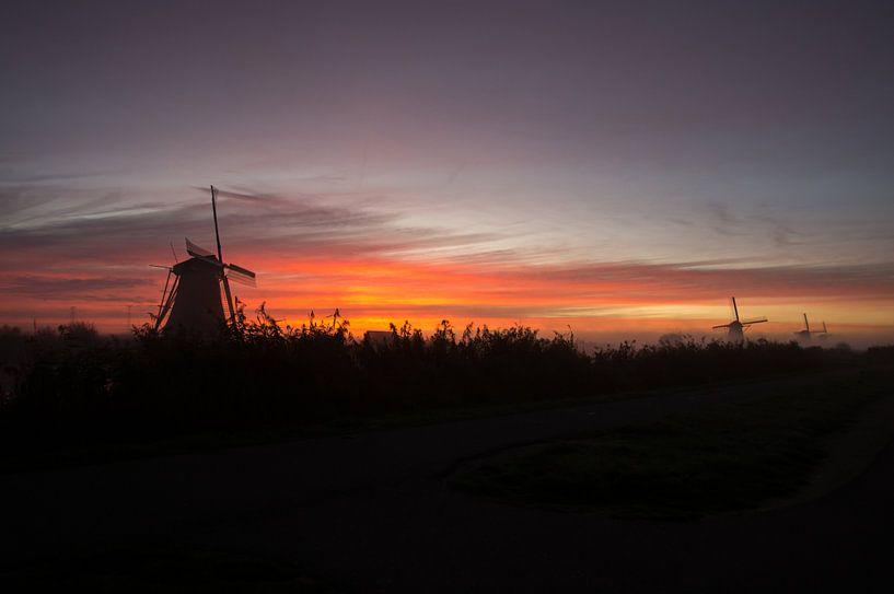 les moulins à vent du lever du soleil sur Andrea Ooms
