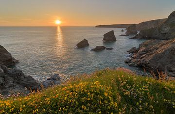 Bedruthan Steps Sonnenuntergang von Jos Pannekoek