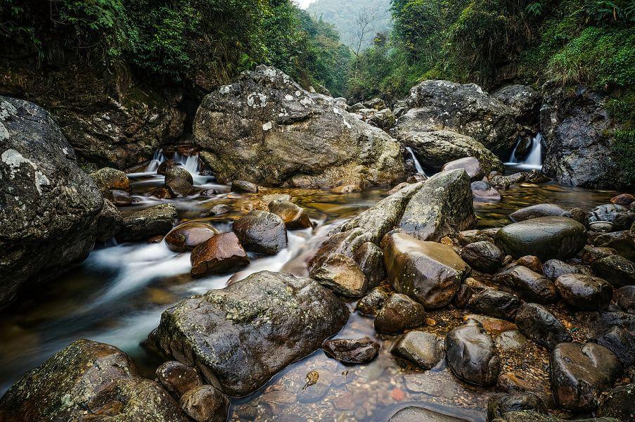 Een rivier in Cat Cat Village van Joris Pannemans - Loris Photography