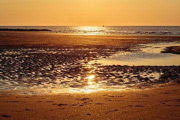 Zonsondergang op het strand van Middelkerke van Rob Boon