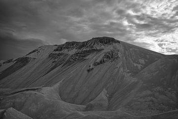De bergen van Lixhe van Indra Moonen