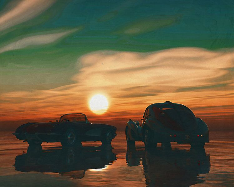Twee oldtimers op het strand bij zonsondergang van Jan Keteleer