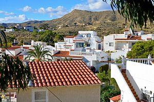 Ansichten von Luxus-Bungalows in El Campollo an der Costa Blanca