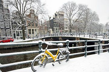 Amsterdam enneigée aux Pays-Bas sur Nisangha Masselink