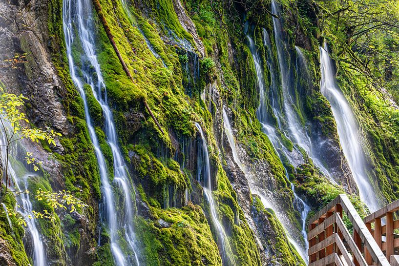 Chute d'eau dans une gorge sur Tilo Grellmann | Photography