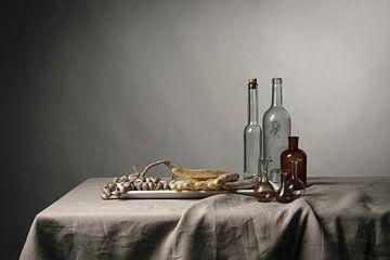 Stilleben mit Muscheln, Spargel und Glaswaren