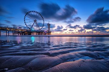 Scheveningen - Blauw uur van Martin Podt
