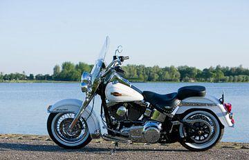 Harley Davidson Heritage softtail, aan het water sur Patrick Brouwer