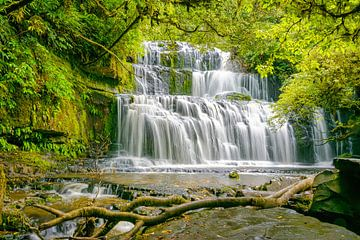 Purakaunui Falls, South Island, Neuseeland von Rietje Bulthuis