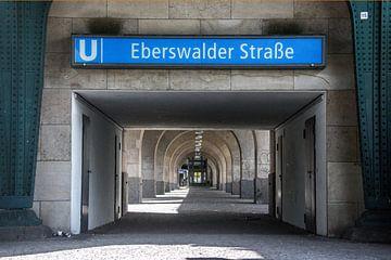 Haltestelle Eberswalder Straße von Hugo Braun