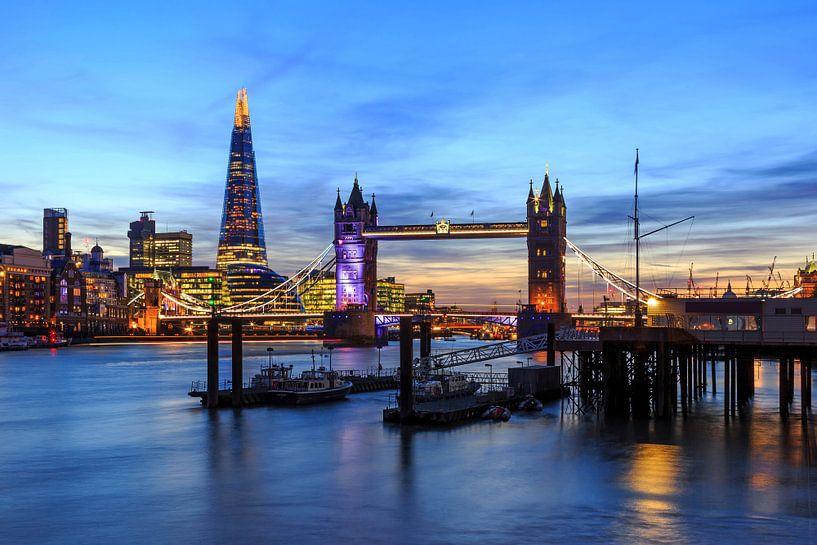 London Skyline met Tower Bridge van Frank Herrmann