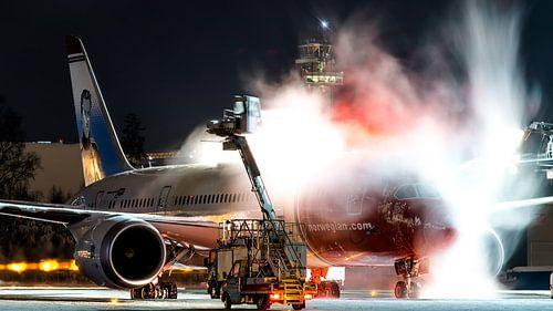 Dreamliner de-ice bij Oslo.  van