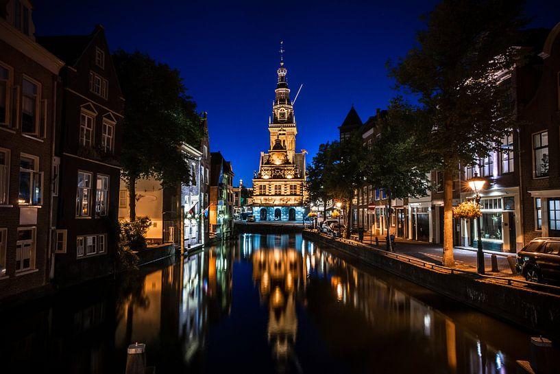 Uitzicht op de oude Waag en kaasmarkt in Alkmaar van Fotografiecor .nl