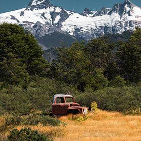 Oude pick-up truck in Patagonië van Studio Aspects