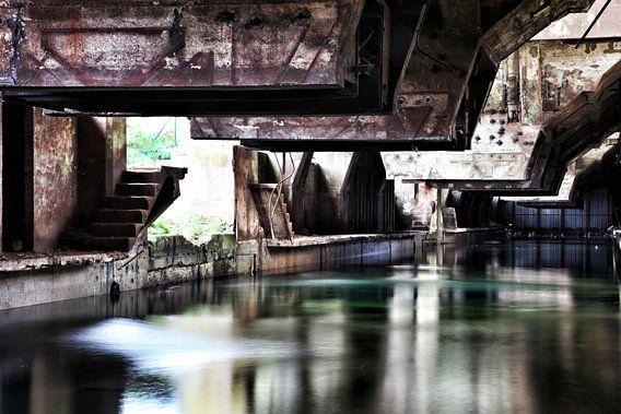 Koelbak oude staalfabriek