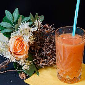 Un smoothie orange-papaye-banane dans un verre. sur Babetts Bildergalerie