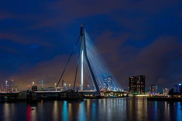 Rotterdam by night van Maurice Meerten